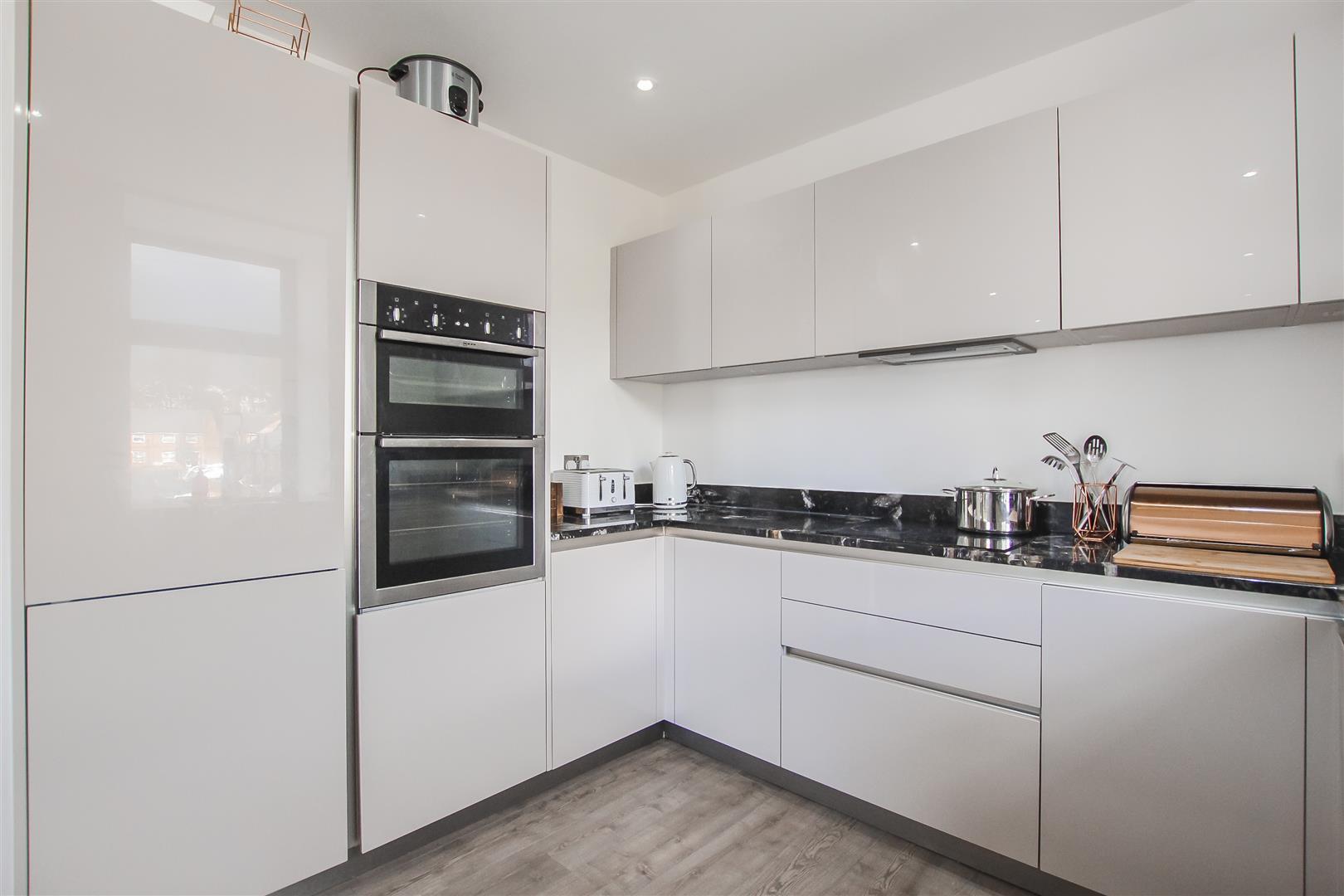 3 Bedroom Duplex Apartment For Sale - Image 37